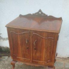 Antigüedades: MESILLA ANTIGUA DE NOCHE.. Lote 183503533