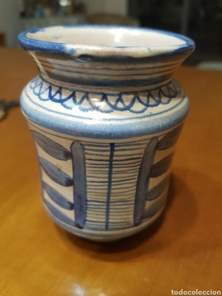 Antigüedades: Pequeño bote albarelo de farmacia de cerámica de Muel color azul - Foto 2 - 183512192
