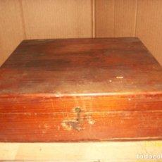 Antigüedades: ANTIGUA CAJA DE MADERA. Lote 183513286