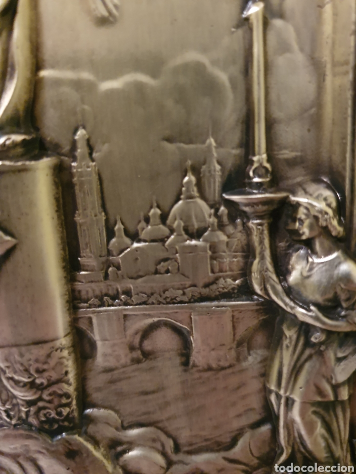 Antigüedades: PRECIOSO Y ANTIGUO CUADRO DE LA VIRGEN DEL PILAR EN RELIEVE CON BAÑO DE PLATA - Foto 6 - 183525698