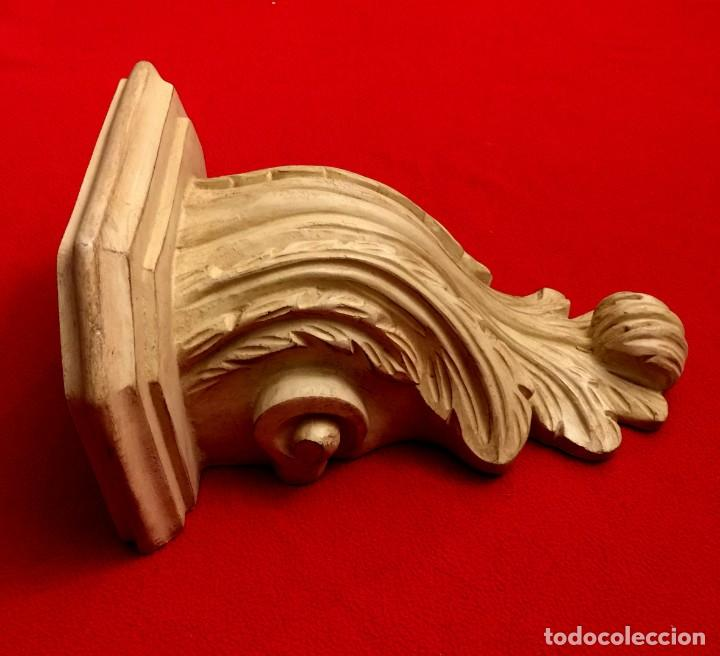 Antigüedades: MÉNSULA - PEANA EN MADERA TALLADA - 33 X 28 CM - Foto 4 - 183531482