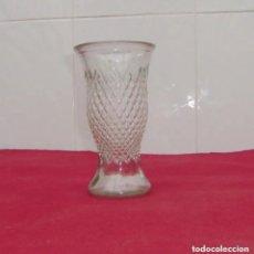 Antigüedades: ANTIGUO JARRON,FLORERO EN CRISTAL PRENSADO.. Lote 183531880