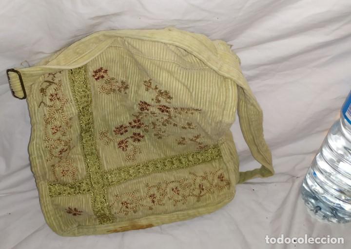BOLSO DE PANA BORDADO MARRON FLORAL (Antigüedades - Moda - Bolsos Antiguos)