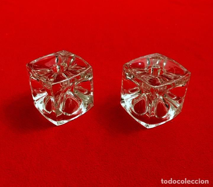 PAREJA DE PORTAVELAS CUBOS DE CRISTAL DE BOHEMIA TALLADO - 1,900 KG (Antigüedades - Cristal y Vidrio - Bohemia)