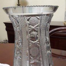 Antigüedades: PRECIOSO JARRÓN VINTAGE DE CRISTAL TALLADO DE BACCARAT. Lote 183550967