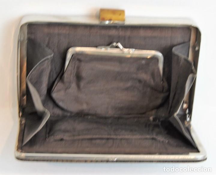 Antigüedades: Antiguo bolso monedero, piel, carey y acero, 18,5 x 12 cm - Foto 3 - 183573032