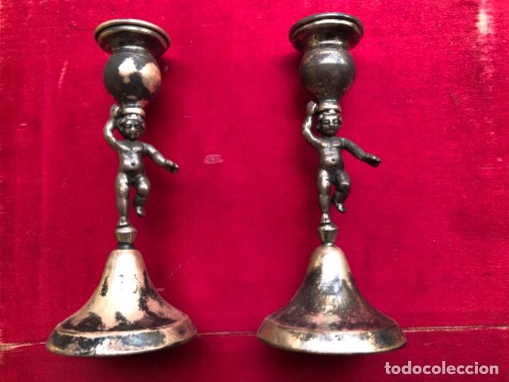 Antigüedades: Pareja de candelabros o porta velas representando ángeles o querubines, plata española con contraste - Foto 2 - 183573083