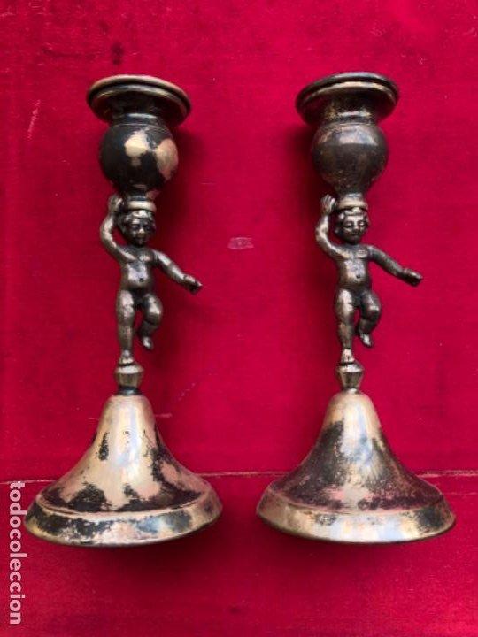 Antigüedades: Pareja de candelabros o porta velas representando ángeles o querubines, plata española con contraste - Foto 5 - 183573083