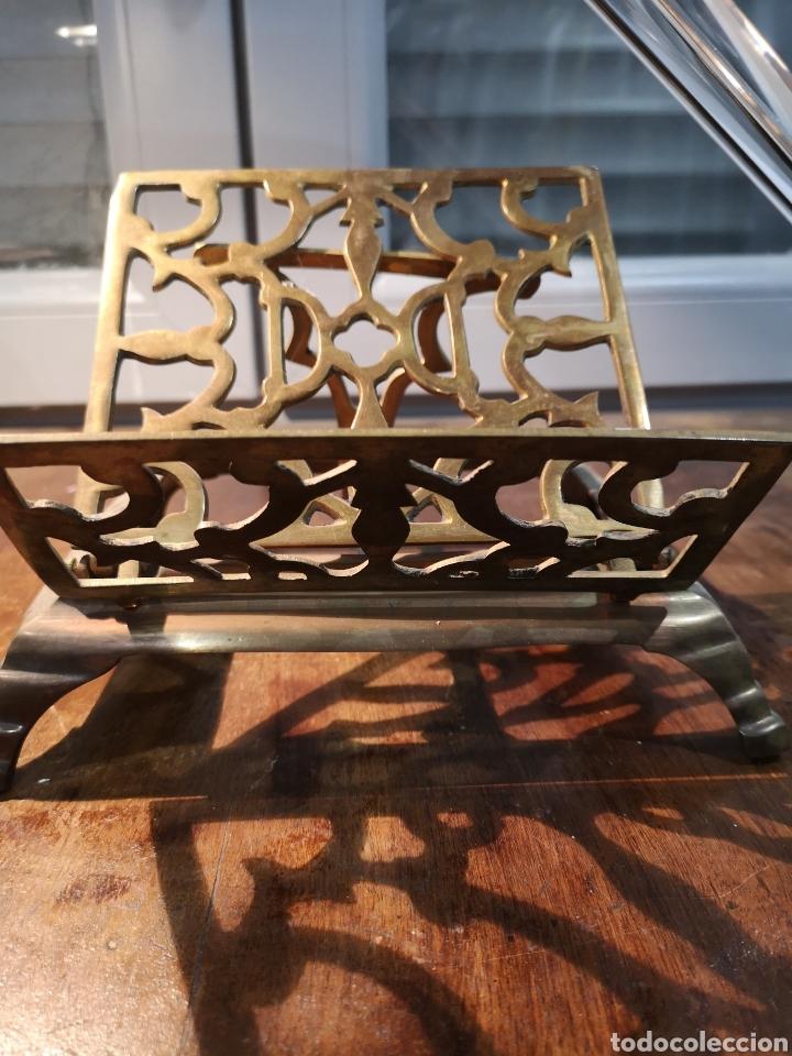 Antigüedades: Antiguo atril de iglesia en bronce, plegable - Foto 4 - 183583313