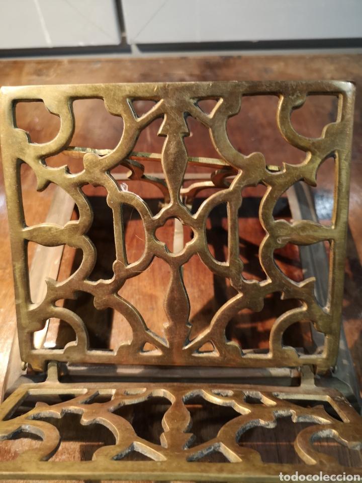 Antigüedades: Antiguo atril de iglesia en bronce, plegable - Foto 5 - 183583313
