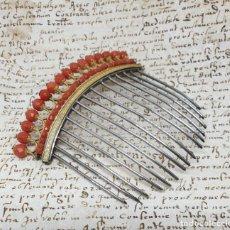 Antigüedades: FABULOSA PEINA,DIADEMA DORADA DE CORALES FACETADOS Y PEINE EN PLATA DE EPOCA IMPERIO,S. XIX. Lote 183591376