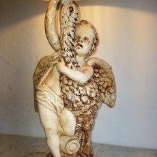Antigüedades: LAMPARA ANGEL DE SOBREMESA ANTIGUA. Lote 51031678
