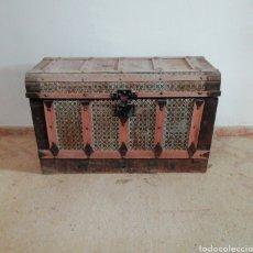 Antigüedades: BAÚL MUY ANTIGUO. Lote 183599328