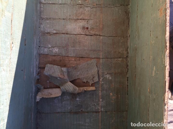 Antigüedades: Antiguo baúl de madera y lata con cerraduras y asas de los años 10-20 - Foto 24 - 183609031