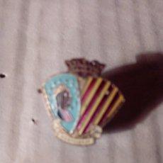 Antigüedades: INSIGNIA O PIN DE MONSERRAT. Lote 183611316