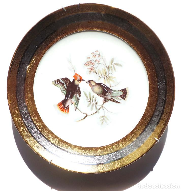 PLATO EN CERÁMICA RECUMAR. ESPAÑA. PLATA Y ORO. 28 CM DE DIÁMETRO (Antigüedades - Porcelanas y Cerámicas - Otras)