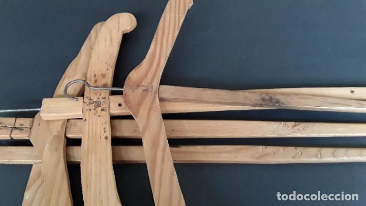 Antigüedades: Antiguas perchas de madera - Foto 2 - 183619117