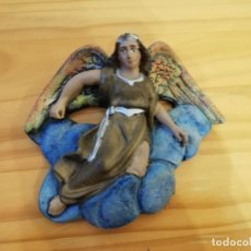 Antigüedades: FIGURA ANGEL DE OLOT BELEN PESEBRE CACHARRERIA HUEVO FRITO. Lote 183622446