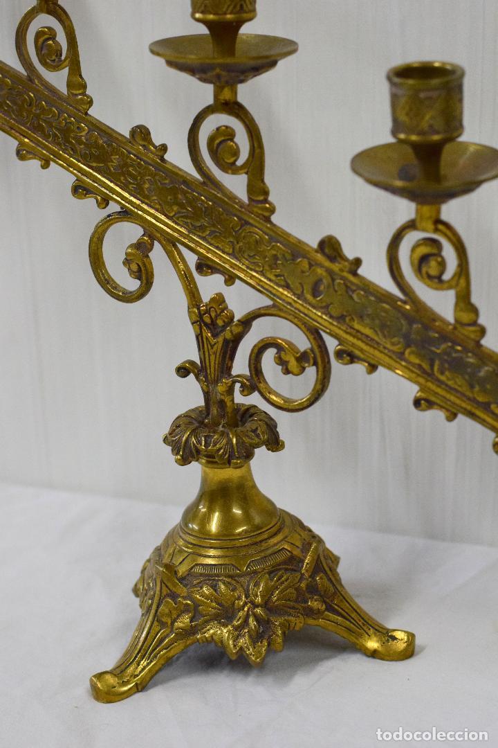 Antigüedades: Antiguo candelabro de bronce del siglo XIX de 5 luces. 50x37 - Foto 2 - 180266545