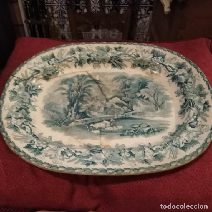 ANTIGUA FUENTE STAFFORD DE 1850-60 (Antigüedades - Porcelanas y Cerámicas - Inglesa, Bristol y Otros)