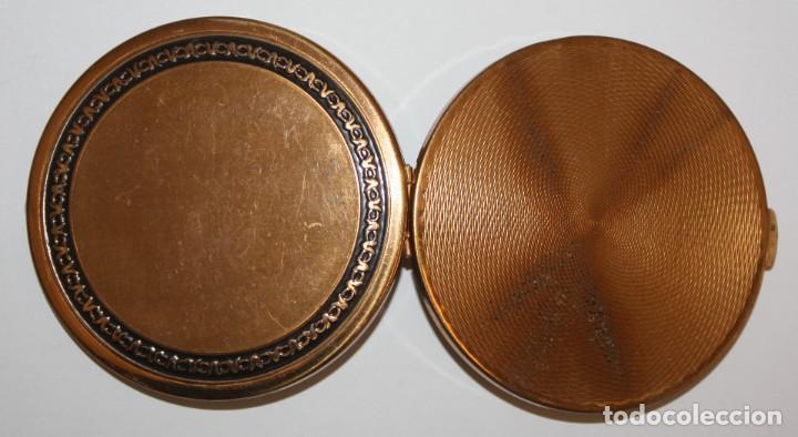 Antigüedades: POLVERA REALIZADA EN METAL Y DECORACIONES GRABADAS DE MEDIADOS DEL SIGLO XX - Foto 5 - 183634818