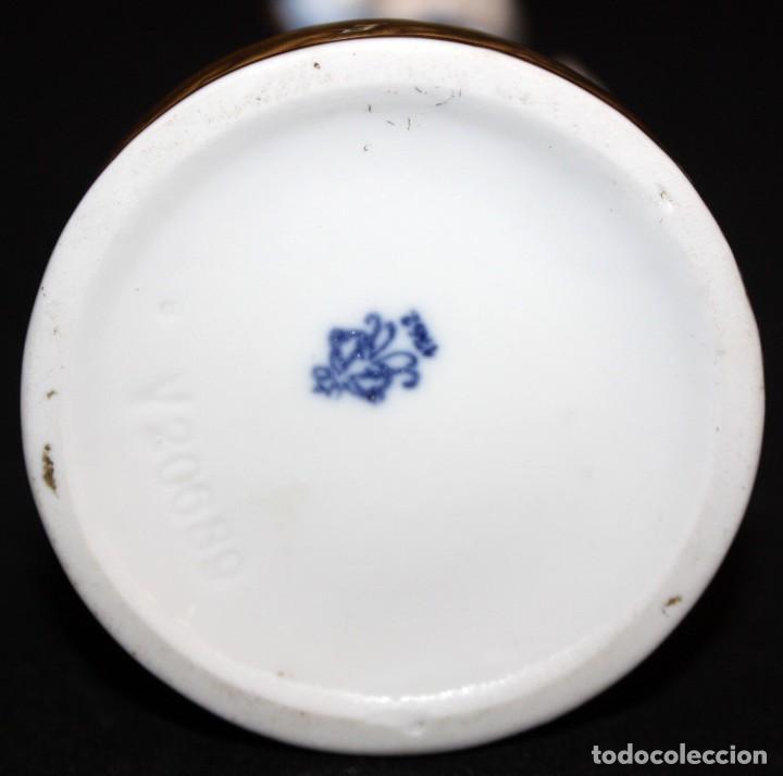 Antigüedades: FIGURA EN PORCELANA ALEMANA DE LA FABRICA VOLKSTEDT (DRESDEN). CIRCA 1900 - Foto 9 - 183672391