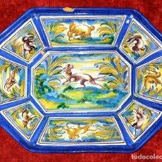 Antigüedades: BANDEJA - CENTRO DE MESA. CERÁMICA ESMALTADA. HENCHE. TALAVERA. ESPAÑA. SIGLO XX. Lote 183688882