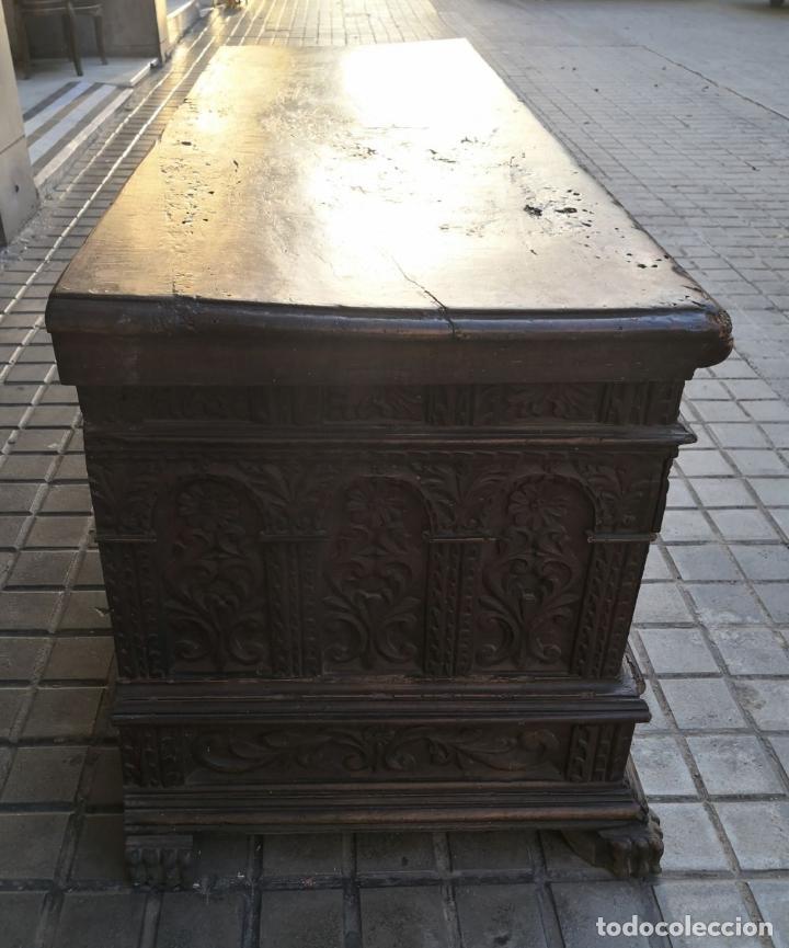 Antigüedades: ARCA / ARCÓN CATALÁN. MADERA DE NOGAL. ESTILO BERGEDANA. ESPAÑA. SIGLO XVVII - XVIII. - Foto 12 - 183701685