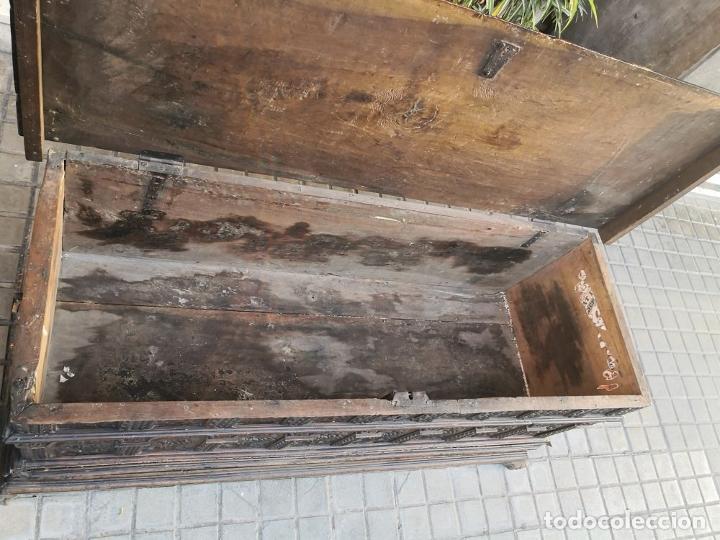 Antigüedades: ARCA / ARCÓN CATALÁN. MADERA DE NOGAL. ESTILO BERGEDANA. ESPAÑA. SIGLO XVVII - XVIII. - Foto 17 - 183701685