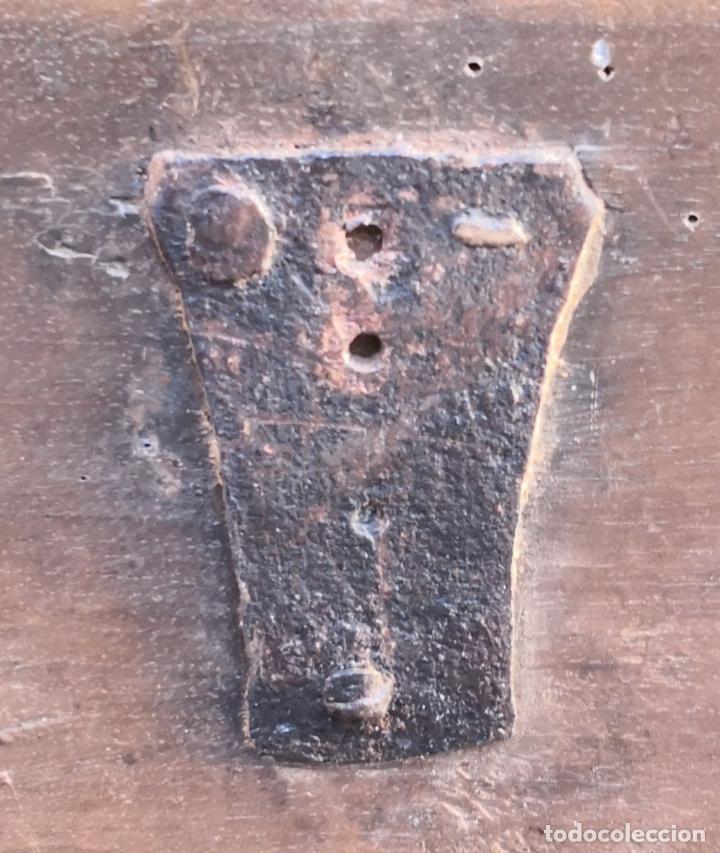 Antigüedades: ARCA / ARCÓN CATALÁN. MADERA DE NOGAL. ESTILO BERGEDANA. ESPAÑA. SIGLO XVVII - XVIII. - Foto 19 - 183701685