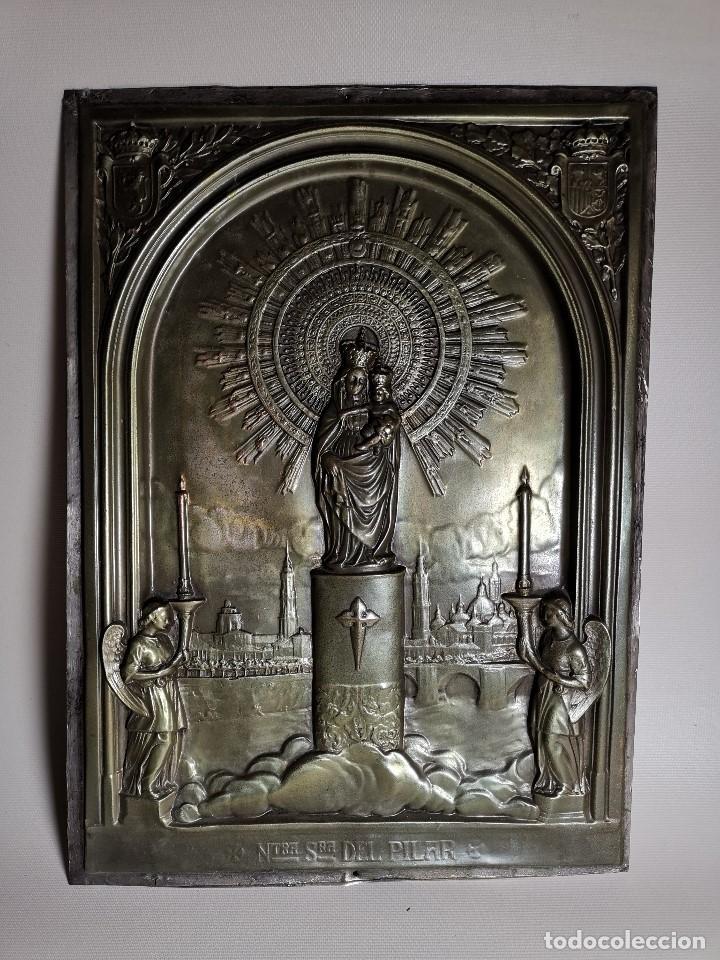 CUADRO RELIEVE PLACA DE COBRE REPUJADA NTRA. SRA. DEL PILAR. PILARICA. ZARAGOZA.SIGLO XIX (Antigüedades - Religiosas - Orfebrería Antigua)