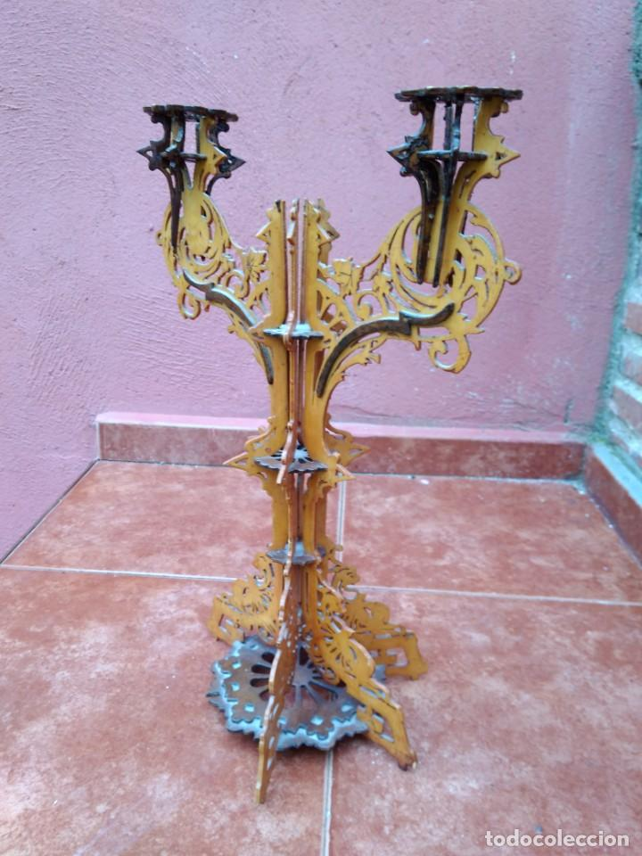 Antigüedades: CANDELABRO REALIZADO EN MADERA CALADA - ANTIGUO - Foto 2 - 183729755