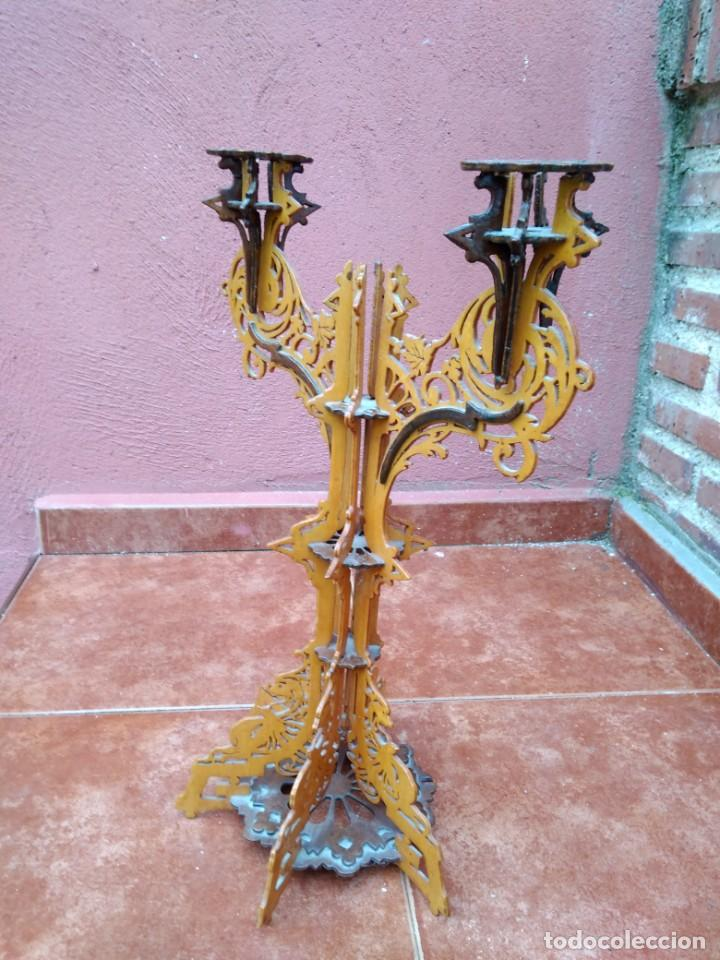 Antigüedades: CANDELABRO REALIZADO EN MADERA CALADA - ANTIGUO - Foto 4 - 183729755