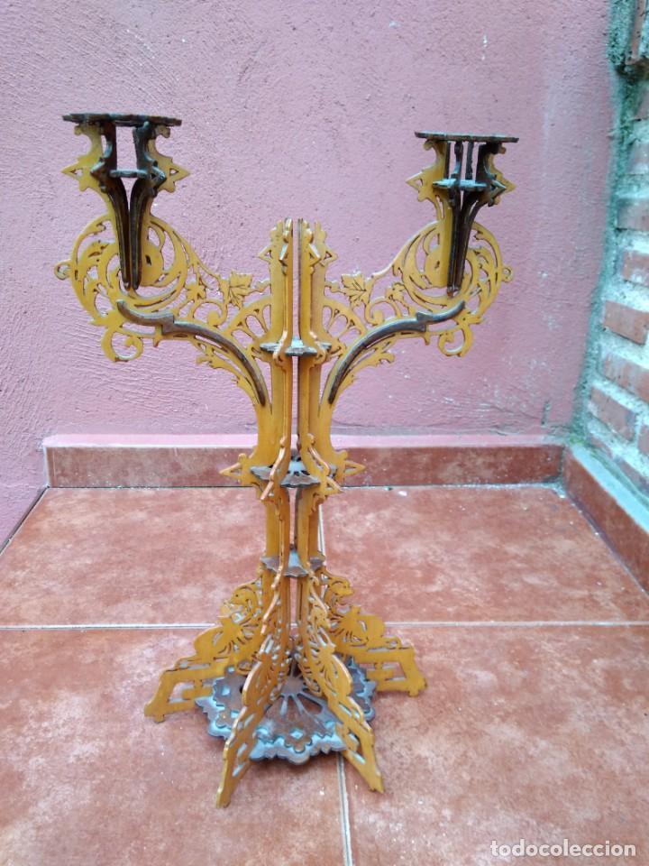 Antigüedades: CANDELABRO REALIZADO EN MADERA CALADA - ANTIGUO - Foto 5 - 183729755