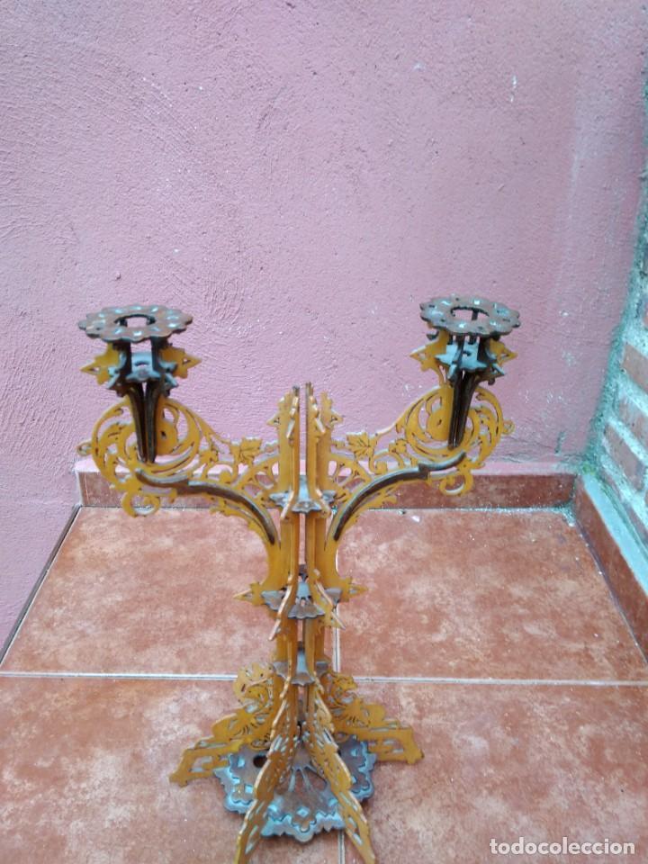 Antigüedades: CANDELABRO REALIZADO EN MADERA CALADA - ANTIGUO - Foto 6 - 183729755