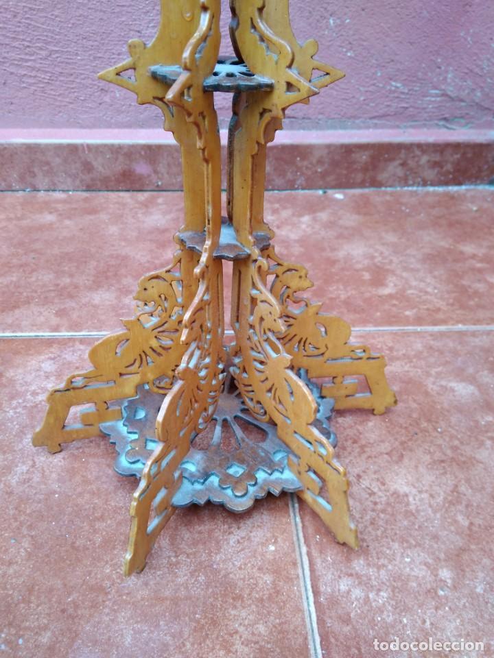 Antigüedades: CANDELABRO REALIZADO EN MADERA CALADA - ANTIGUO - Foto 7 - 183729755