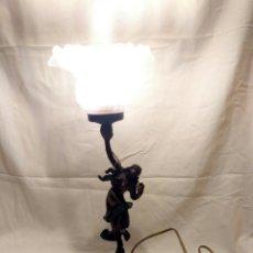 Antigüedades: LAMPARA DE LATÓN. BAILARINA ESTILO MODERNISTA. Lote 183733623