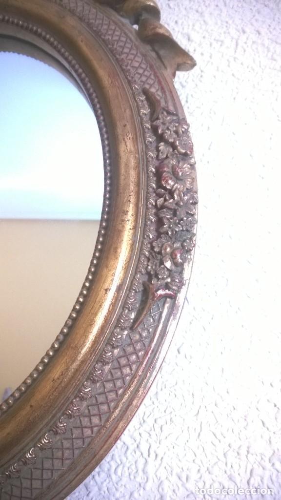 Antigüedades: BONITO ESPEJO OVALADO CON MARCO DORADO Y LAZO - Foto 5 - 183743511