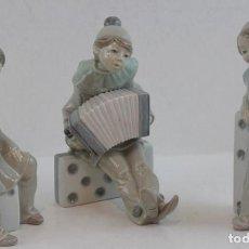 Antigüedades: PORCELANA LLADRÓ,TRÍO DE ARLEQUINES,NENE CONCIERTO,NENA DOMINÓ Y NENA DADO,EN PERFECTO ESTADO. . Lote 183748181