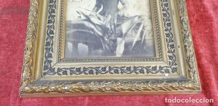 Antigüedades: MARCO PARA FOTOGRAFÍAS. MADERA TALLADA. MARQUETERIA DE MADERA. SIGLO XIX-XX. - Foto 6 - 183768693