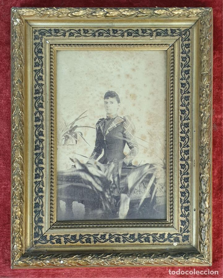 MARCO PARA FOTOGRAFÍAS. MADERA TALLADA. MARQUETERIA DE MADERA. SIGLO XIX-XX. (Antigüedades - Hogar y Decoración - Marcos Antiguos)