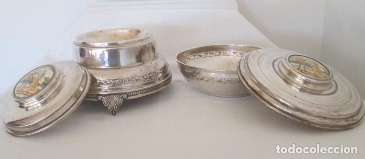 Antigüedades: Preciosas dos piezas de antiguo juego de tocador. Polvera y joyero/guarda algodones, en plaque - Foto 3 - 183773293