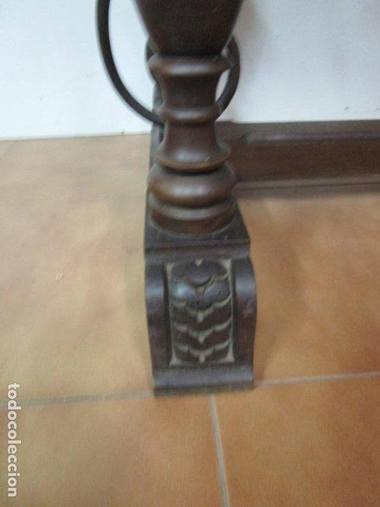 Antigüedades: Antigua Mesa Alfonsina - Madera de Nogal - Fiadores en Hierro Forjado - Finales S. XIX - Foto 5 - 183781925