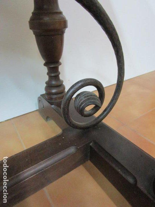 Antigüedades: Antigua Mesa Alfonsina - Madera de Nogal - Fiadores en Hierro Forjado - Finales S. XIX - Foto 10 - 183781925
