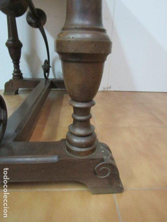 Antigüedades: Antigua Mesa Alfonsina - Madera de Nogal - Fiadores en Hierro Forjado - Finales S. XIX - Foto 17 - 183781925