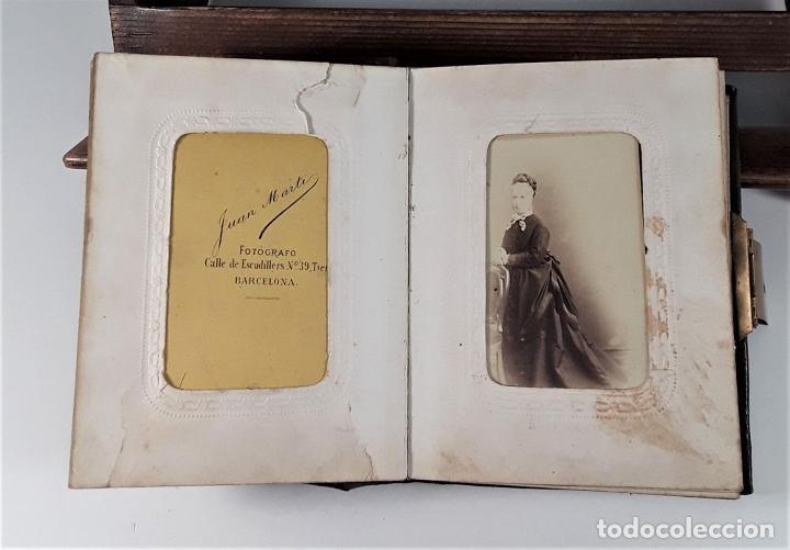 Antigüedades: ÁLBUM DE FOTOGRAFÍAS EN PIEL, CON METAL DORADO. ESPAÑA. SIGLO XIX-XX. - Foto 4 - 183791702