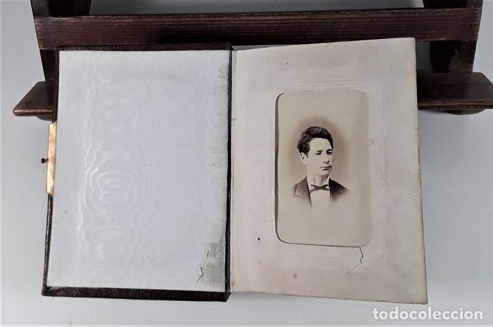 Antigüedades: ÁLBUM DE FOTOGRAFÍAS EN PIEL, CON METAL DORADO. ESPAÑA. SIGLO XIX-XX. - Foto 6 - 183791702