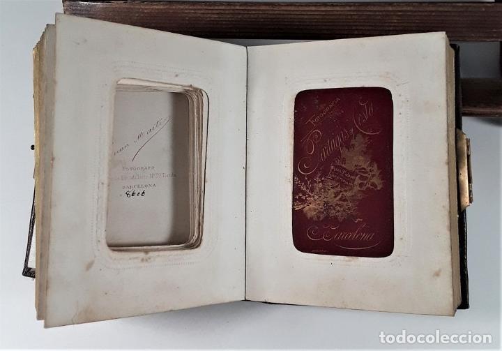 Antigüedades: ÁLBUM DE FOTOGRAFÍAS EN PIEL, CON METAL DORADO. ESPAÑA. SIGLO XIX-XX. - Foto 8 - 183791702