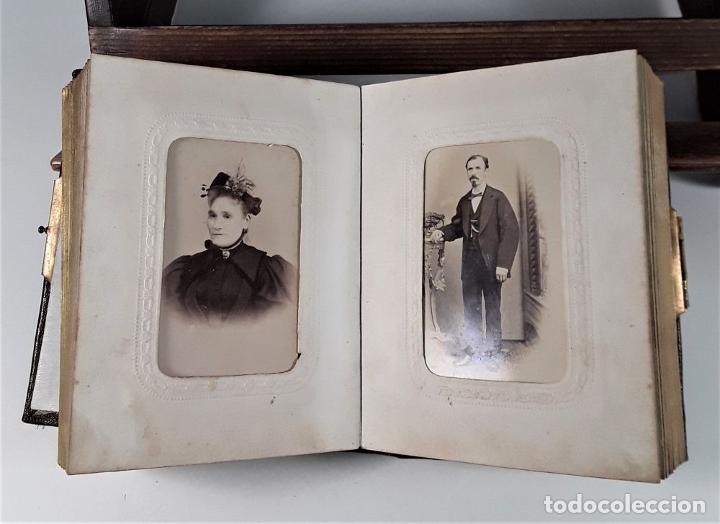 Antigüedades: ÁLBUM DE FOTOGRAFÍAS EN PIEL, CON METAL DORADO. ESPAÑA. SIGLO XIX-XX. - Foto 9 - 183791702