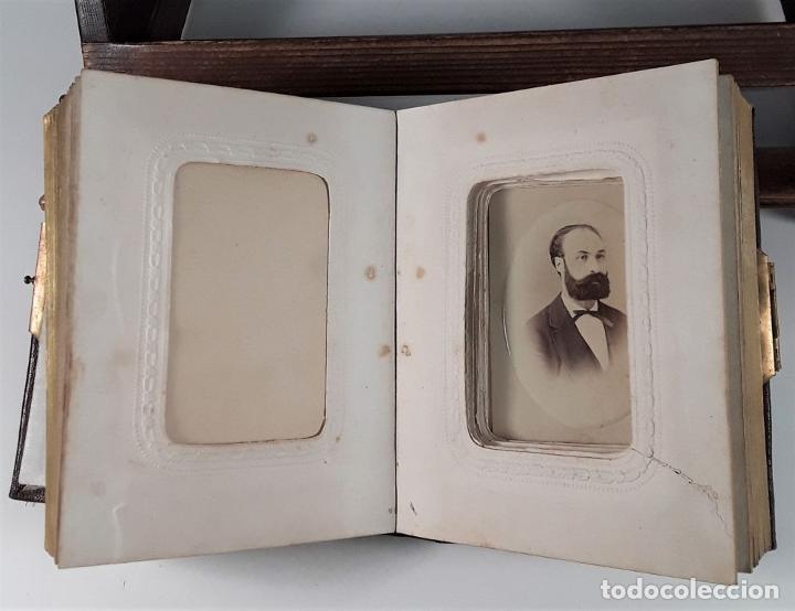 Antigüedades: ÁLBUM DE FOTOGRAFÍAS EN PIEL, CON METAL DORADO. ESPAÑA. SIGLO XIX-XX. - Foto 10 - 183791702